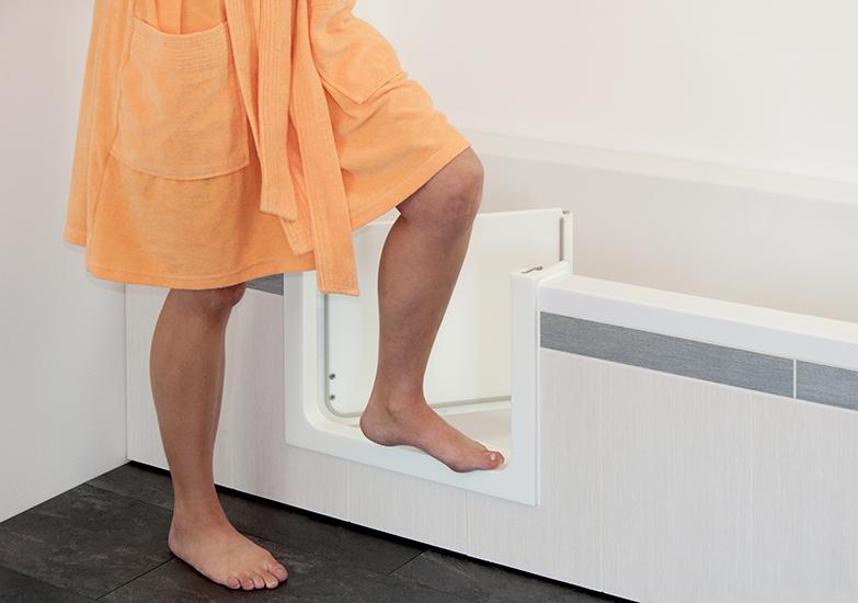 Bad met deur maak een instapbad van uw bestaande bad - Badkuip bel ...